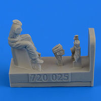 WWII RAF Motorcycle Driver - part 2 Figurines AIRFIX - Image 1